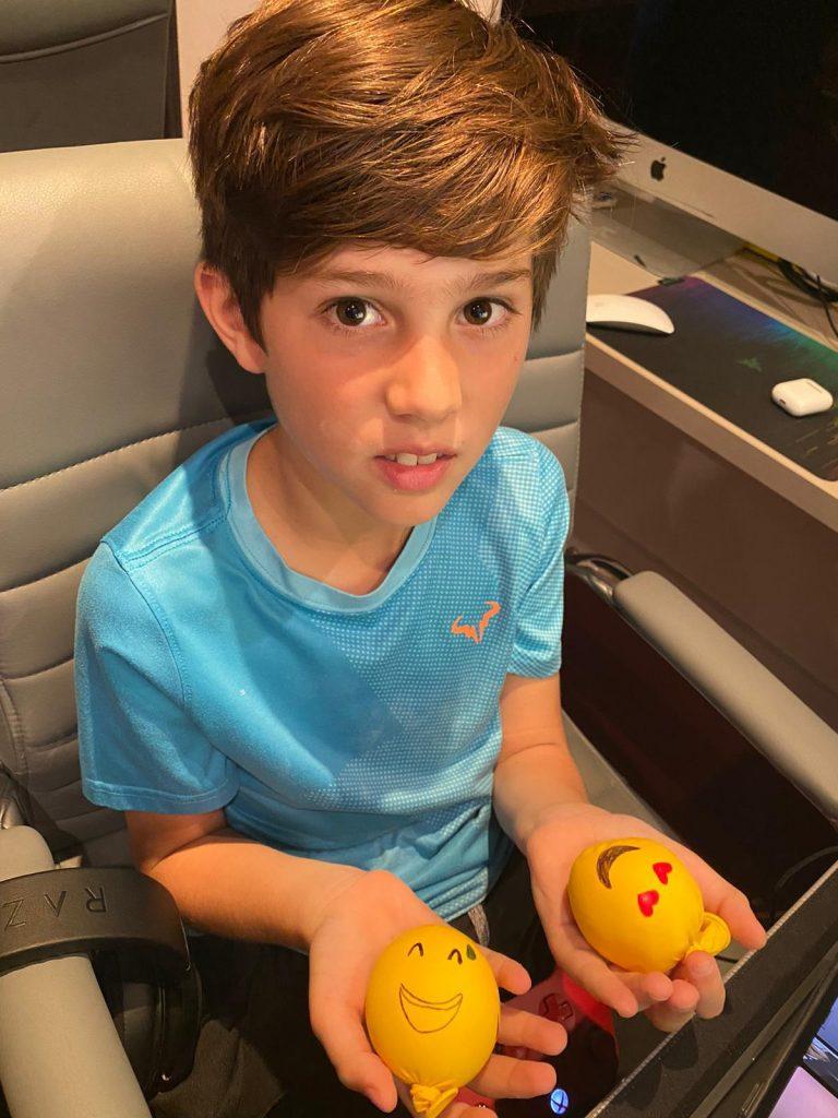 Anti-stress balls with teens