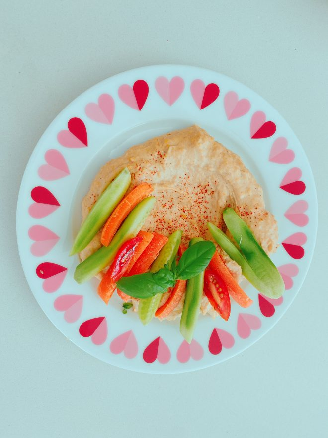 Salsa de tahini con vegetales